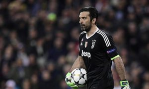 Series A: Oliver Kahn advises Juventus goalkeeper Gianluigi Buffon to end his career